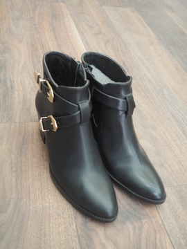 Bottines vegan à talon noires By Blanch