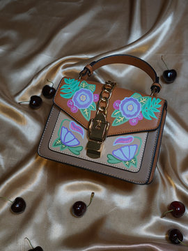 FLOWER POWER Shoulder Bag Woodo